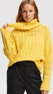 Żółty sweter Reserved