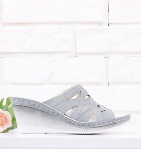 Klapki Yourshoes w stylu casual ze skóry ekologicznej