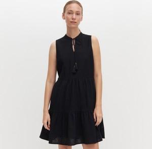 Czarna sukienka Reserved bez rękawów mini w stylu casual