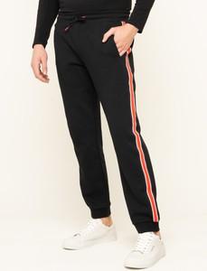 Czarne spodnie sportowe Guess