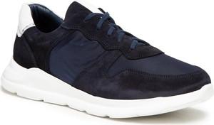 Granatowe buty sportowe Ryłko sznurowane w sportowym stylu