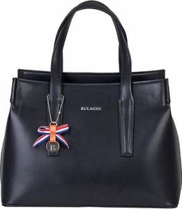 Czarna torebka Bulaggi do ręki z breloczkiem średnia