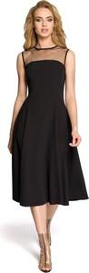 Czarna sukienka MOE rozkloszowana z okrągłym dekoltem
