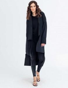 Czarny płaszcz Synthetic 100%natural z wełny