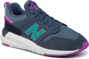 Sneakersy New Balance na platformie sznurowane