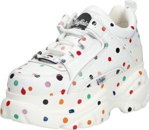 Sneakersy Buffalo sznurowane na platformie