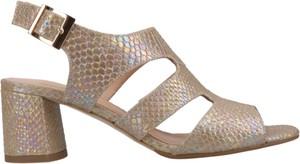Złote sandały Conhpol Woman na obcasie ze skóry z klamrami