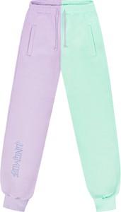 Zielone spodnie JUNGMOB z dresówki