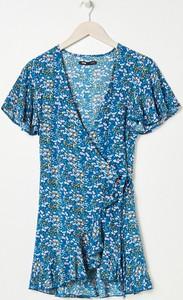 Turkusowa sukienka Sinsay w stylu casual z krótkim rękawem z dekoltem w kształcie litery v