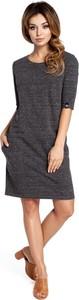 Sukienka BeWear z okrągłym dekoltem z długim rękawem prosta