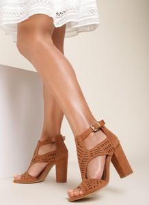 Brązowe sandały Renee z klamrami