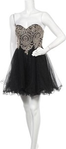 Czarna sukienka Babyonlinedress mini