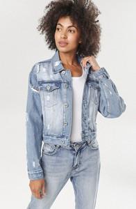 Niebieska kurtka born2be w młodzieżowym stylu