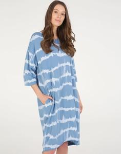 Niebieska sukienka Unisono midi z długim rękawem z okrągłym dekoltem