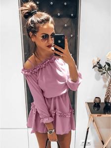 Różowa sukienka magmac.pl w stylu casual z długim rękawem rozkloszowana
