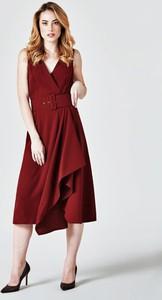 Czerwona sukienka Guess z tkaniny