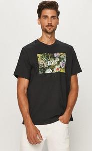 T-shirt Levis z krótkim rękawem z bawełny w młodzieżowym stylu