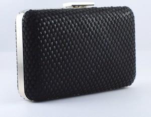 Czarna torebka KARKO w stylu glamour mała do ręki