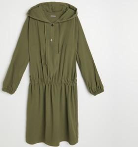 Zielona sukienka Reserved mini z długim rękawem