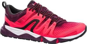Różowe buty sportowe Newfeel w sportowym stylu motion z płaską podeszwą