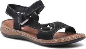 Czarne sandały Go Soft z płaską podeszwą z klamrami