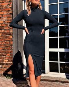 Sukienka Kendallme z długim rękawem z golfem