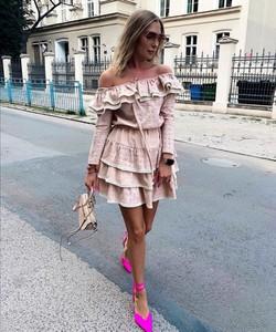 Sukienka Yasmin Boutique z bawełny mini w stylu boho
