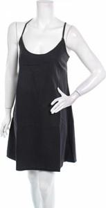 Czarna sukienka Asos mini na ramiączkach prosta