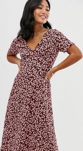 Sukienka Vero Moda Petite z dekoltem w kształcie litery v