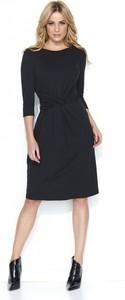 Czarna sukienka Makadamia z długim rękawem midi z okrągłym dekoltem