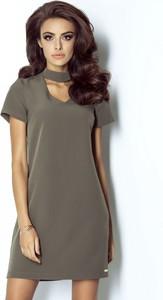Zielona sukienka stylowemarki24.pl z krótkim rękawem mini z dekoltem typu choker