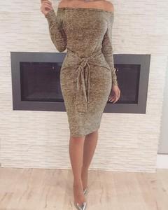 Sukienka Kendallme hiszpanka z długim rękawem z odkrytymi ramionami