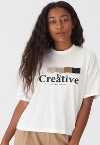 T-shirt House w młodzieżowym stylu z okrągłym dekoltem