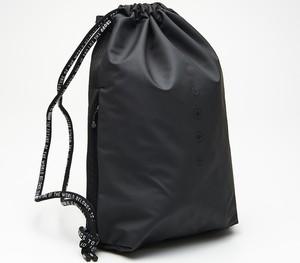 e4d060d489f2c Granatowy plecak Cropp