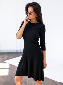 Czarna sukienka SELFIEROOM z okrągłym dekoltem z długim rękawem