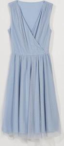 Niebieska sukienka Mohito bez rękawów z dekoltem w kształcie litery v