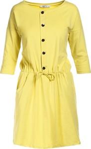 Żółta sukienka Multu z okrągłym dekoltem dla puszystych w stylu casual
