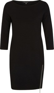 Czarna sukienka comma, prosta w stylu casual
