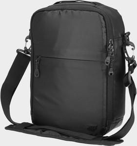 Czarny plecak męski 4F
