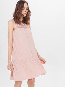 Sukienka Mohito w stylu casual bez rękawów