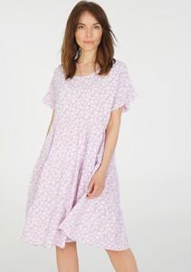Różowa sukienka Unisono mini w stylu casual z okrągłym dekoltem
