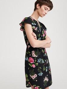 Czarna sukienka Reserved z krótkim rękawem mini