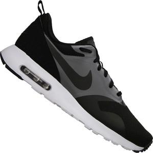 Buty sportowe Nike sznurowane w sportowym stylu z tkaniny