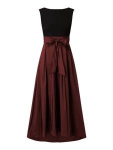Czerwona sukienka Swing rozkloszowana z okrągłym dekoltem