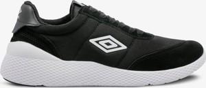 Czarne buty sportowe Umbro sznurowane w młodzieżowym stylu