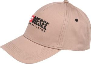Różowa czapka Diesel