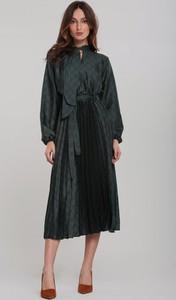 Zielona sukienka Renee z żabotem