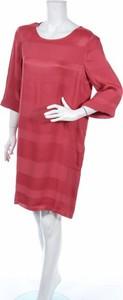 Różowa sukienka Yaya z okrągłym dekoltem mini w stylu casual