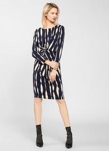Sukienka Apart z okrągłym dekoltem z długim rękawem