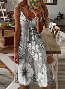 Sukienka Cikelly midi na ramiączkach w stylu boho